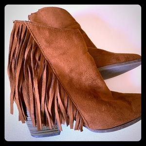 Booties faux suede with Fringe